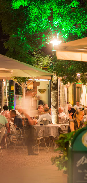 Der Biergarten der WaTT's Brasserie und Bar in Ettlingen