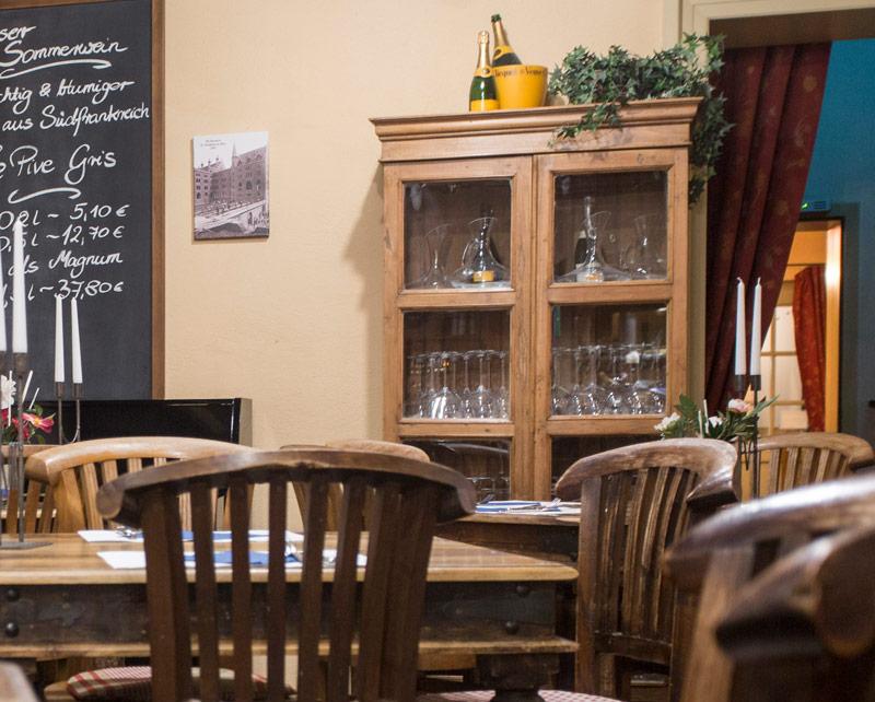 Übersichtsbild der Brasserie in der WaTT's Brasserie | Restaurant | Bar | Biergarten in Ettlingen